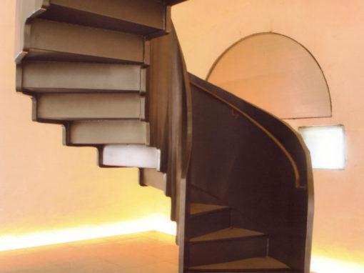 escalier-cenothaphe-saint-mathieu-510x382
