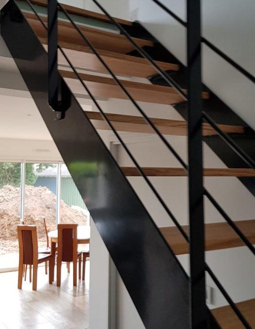Escalier mixte métal bois