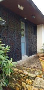 Habillage-facade-aluminium-laque-La-Roche-Maurice-3-146x300
